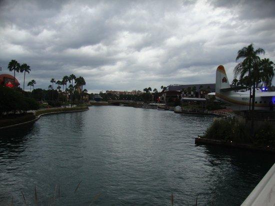 Universal CityWalk: CityWalk circles a lovely waterway