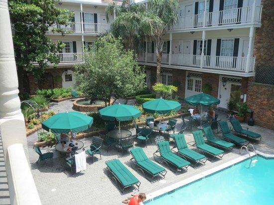 Best Western Plus French Quarter Landmark Hotel: Gårdhave med pool