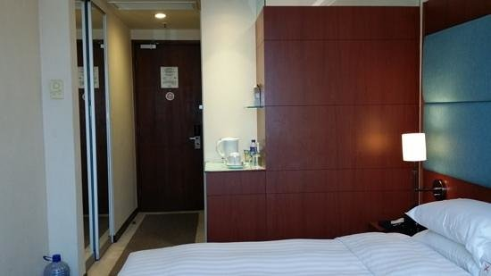 B P International: Entry way - Room with Queen Sized Bed