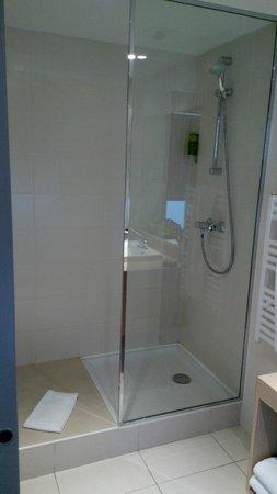 Hotel de la Plage : douche à l'italienne