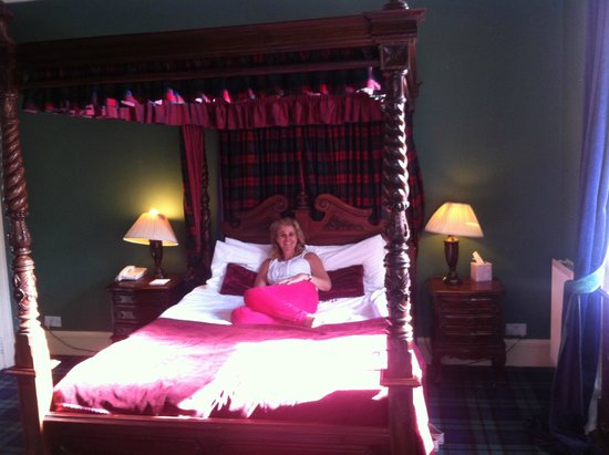 Tulloch Castle Hotel: bedroom 17