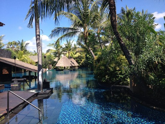 The St. Regis Bali Resort: Lagoon pool 2