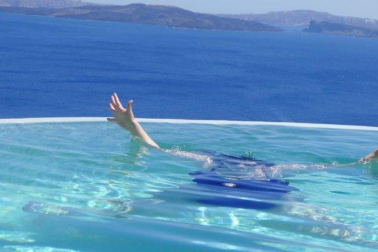 Pezoules: Infinity Pool