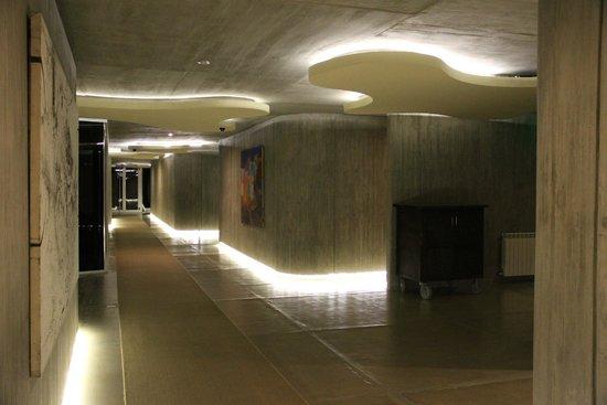 Entre Cielos: Circulação do hotel para acesso aos quartos