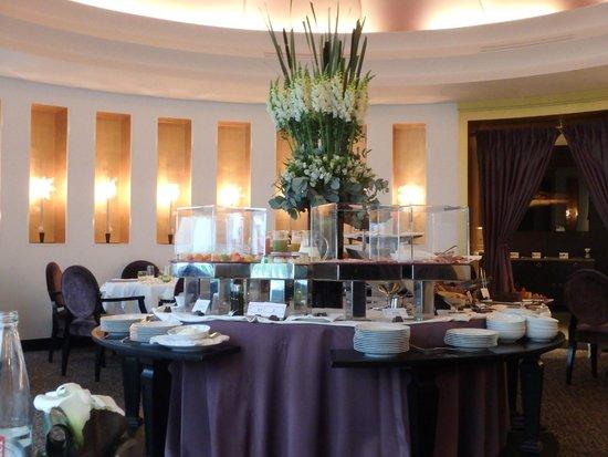 Hôtel Barrière Le Fouquet's Paris: 朝食