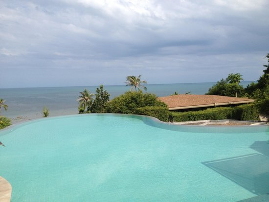 ShaSa Resort & Residences, Koh Samui: Infinity pool at the hotel