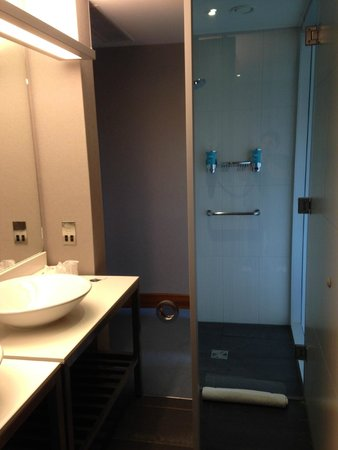 Aloft London Excel: sink on left and shower straight ahead