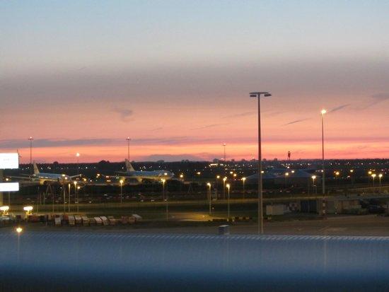 citizenM Schiphol Airport: Uitzicht op Schiphol