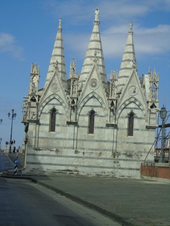 La tour de Pise (Campanile) : Une entrée