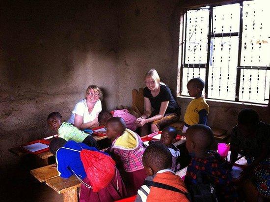Hostel Hoff: Volunteer teaching