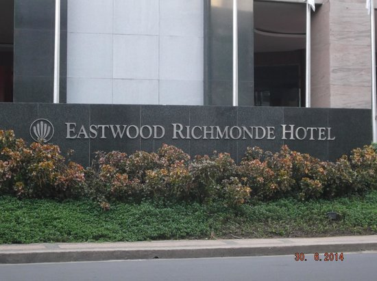 Eastwood Richmonde Hotel: Hotel entrance
