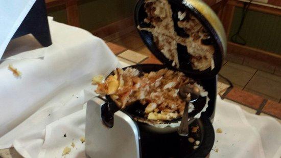 Amicalola Falls State Park Lodge Restaurant: Waffle Refused to Be Eaten!
