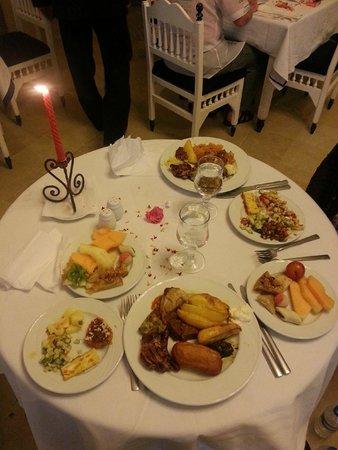 Hotel Diar Lemdina : Ruime keus in eten