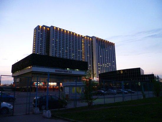 Izmailovo Gamma Delta: рядом с гостиницей