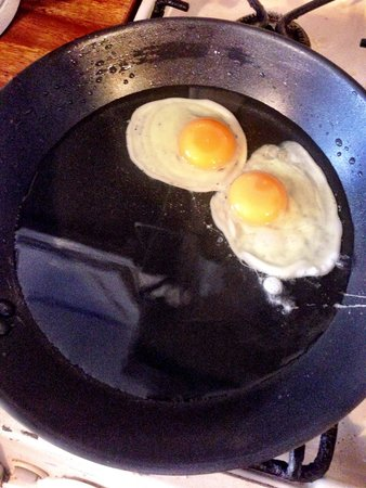The Ante Room : Fried eggs cooked to perfection