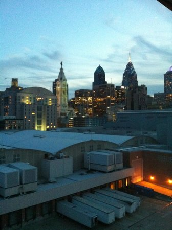 Four Points by Sheraton Philadelphia City Center: Philly Skyline from Room