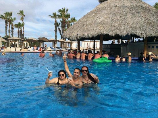 Melia Cabo Real All-Inclusive Beach & Golf Resort: Pool Bar