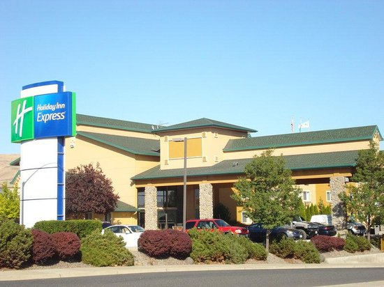 Holiday Inn Express Yakima: Exterior Feature