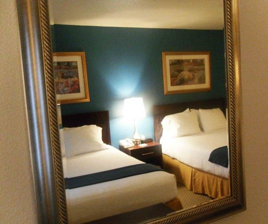 Holiday Inn Express Pendleton : Double Bed Guest Room