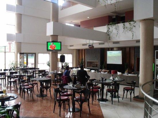 Amerian Portal del Iguazú: Zona de Bar viendo el Mundial