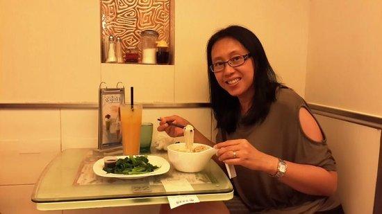 Tsui Wah Restaurant : Bon appetit!