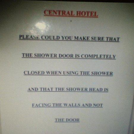 Central Hotel Cheltenham: Shower head sign