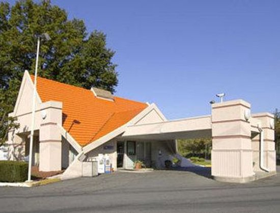 Howard Johnson - Princeton/Lawrenceville: Welcome to Howard Johnson Inn, Princeton Lawrenceville