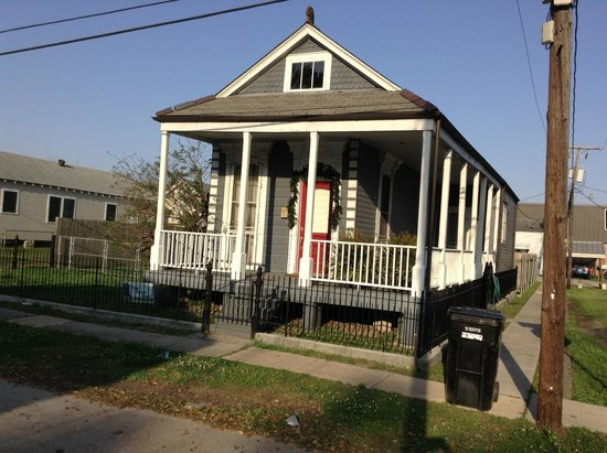 shotgun style house picture of lower 9th ward new