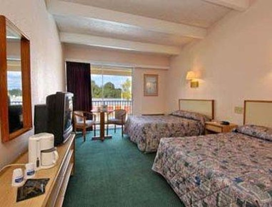 Regency Inn: Guest Room with 2 Beds