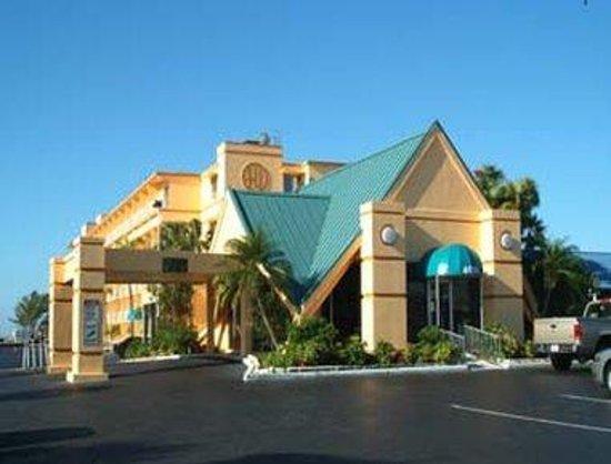 Howard Johnson Resort Hotel - ST. Pete Beach FL: Welcome To Howard Johnson St. Pete Beach