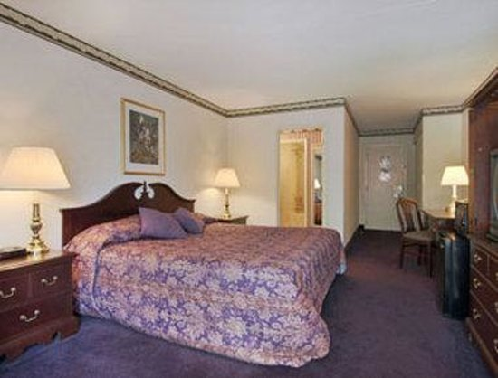 Book Hampton Inn Middletown, Middletown, New York - Hotels.com