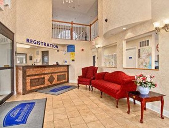 Howard Johnson Express Inn - Blackwood: Lobby