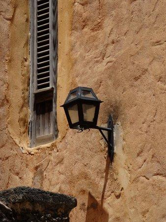 Altos de Chavon: Iluminação