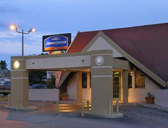 Traveler Inn: Welcome to the Howard Johnson, Denver