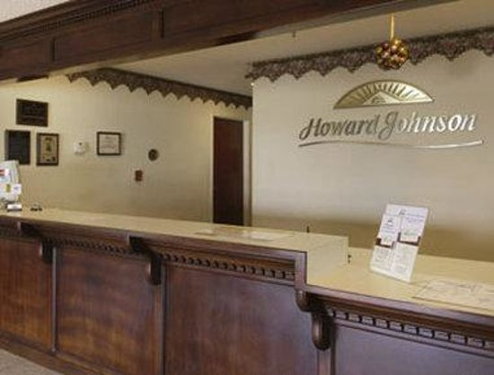 Howard Johnson Express Inn Iowa la: Lobby