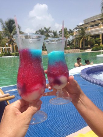 Iberostar Grand Hotel Paraiso: 4th of July Drink of the Day