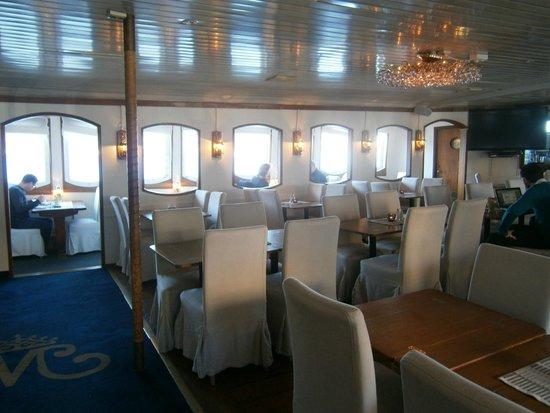 Malardrottningen Yacht Hotel and Restaurant: Schöner Speisesaal