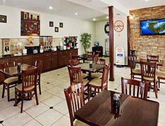 Howard Johnson Express Inn - Arlington Ballpark / Six Flags: Dining Room