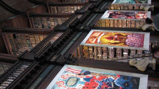 The Book of Kells and the Old Library Exhibition: Library Brian Boru exhibit