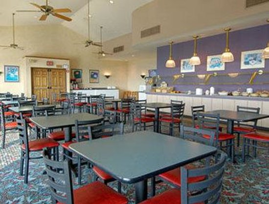 Howard Johnson Inn And Conference Center Salem : Full Breakfast Buffet Served Daily