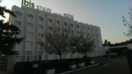 Ibis Styles Lyon Sud Vienne : View from the main gate
