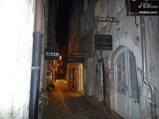 Saint-Paul de Vence: Tra le stradine di sera
