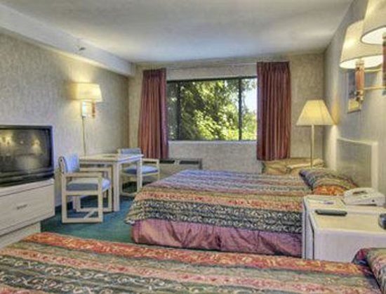 Comfort Inn & Suites Rocklin: Guest Room