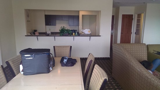 Comfort Inn Downtown Charleston: Dining area