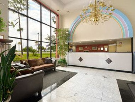 Howard Johnson Express Inn - Suites Lake Front Park Kissimme: Lobby
