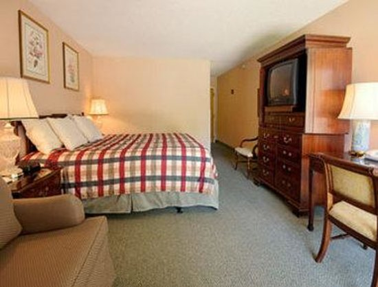 Howard Johnson Plaza Yakima/Near Convention Center: Standard Queen Bed Room