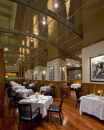 Hyatt Regency Houston: Shula's Restaurant