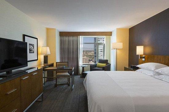 Hyatt Regency Denver At Colorado Convention Center : DENCC_P102 King Guestroom Model Room