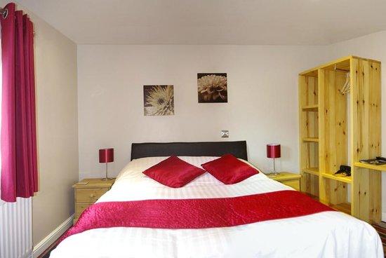 Castle Green B&B: double bedroom
