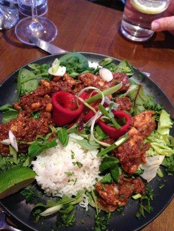 No 14 The Village: Chicken Satay Salad